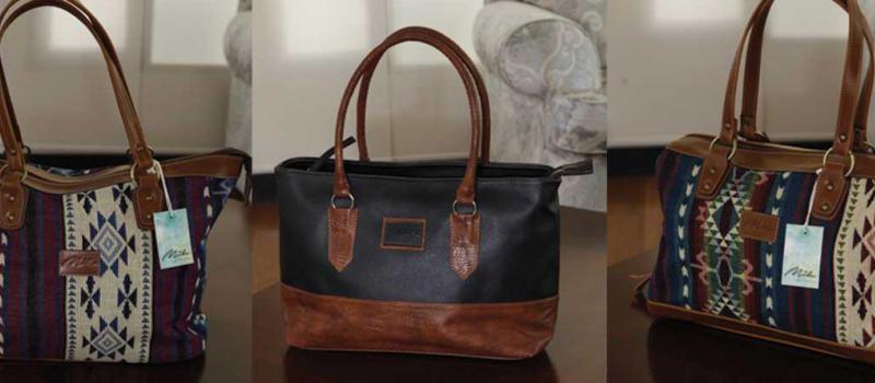 2d164a722 Mila Accesorios se encarga de la producción de carteras, bolsos y demás  accesorios. Foto