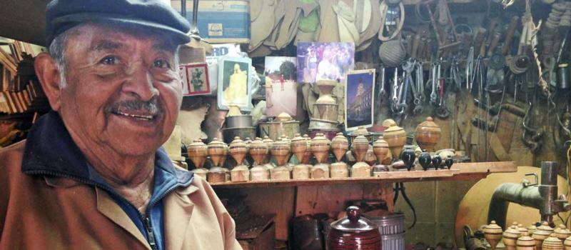 En Su Taller Rescata Los Juegos Tradicionales De Quito Revista Lideres
