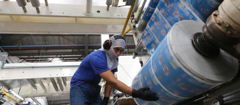 La industria del plástico se mueve al ritmo de unas 600 empresas | Revista  Líderes