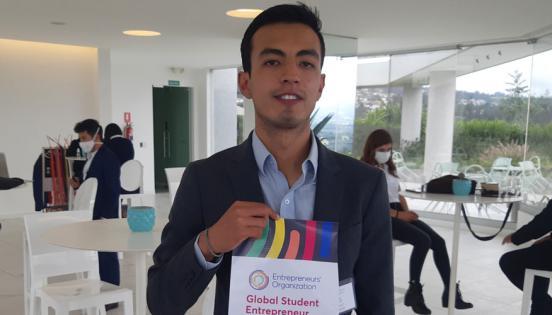 Elvis Crespo resultó en segundo lugar en el concurso GSEA (Global Student Entrepreneur Awards), de Entrepreneurs' Organization (EO).